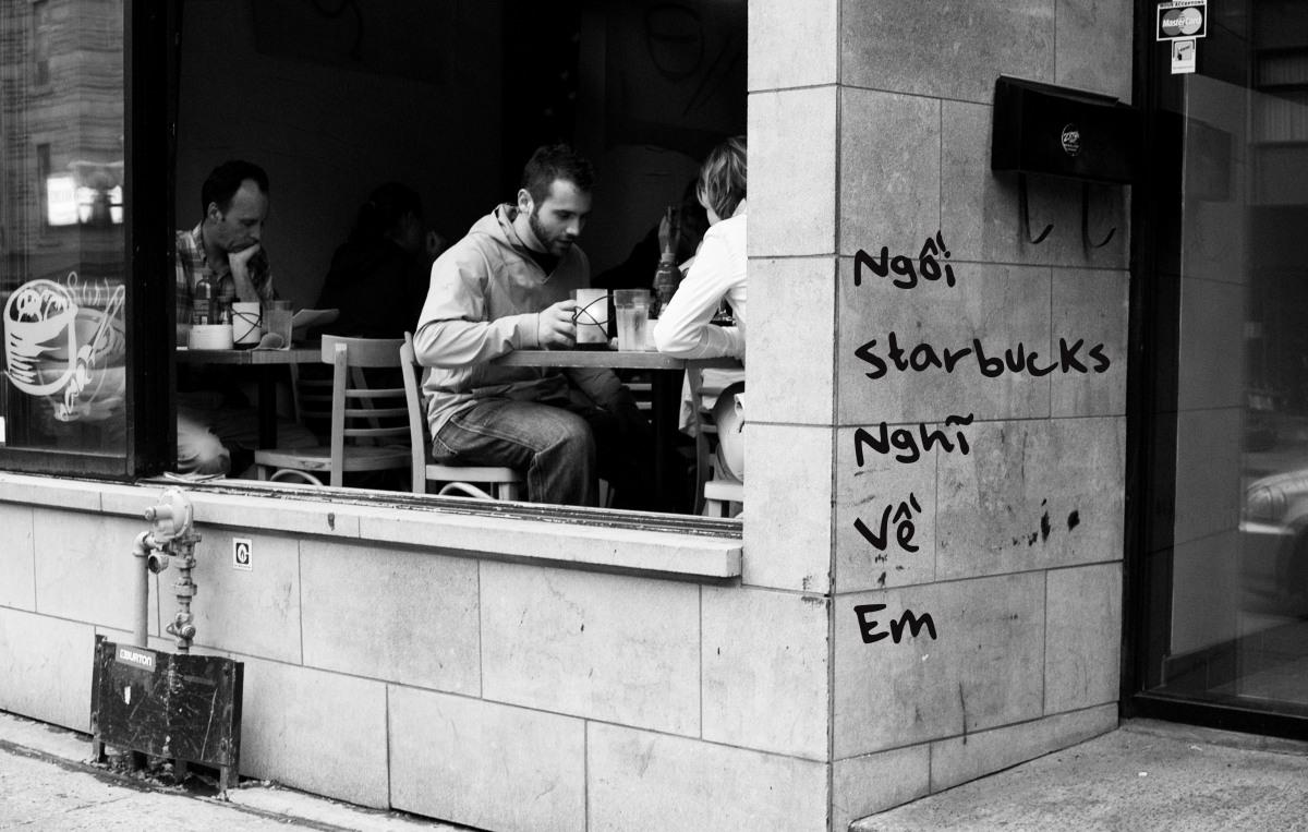 Ngồi Starbucks Nghĩ VềEm